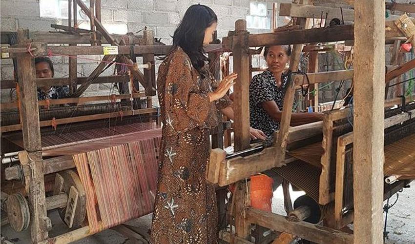 Proses Pembuatan Tas Handmade Kulit Asli Rorokenes
